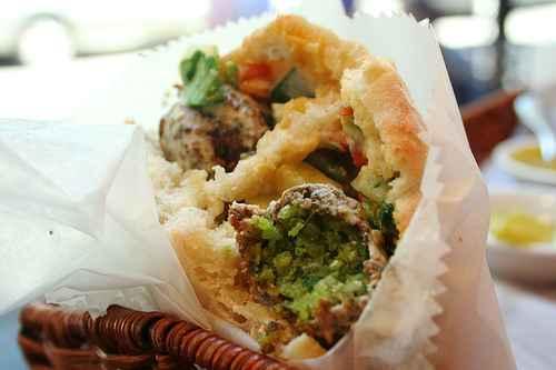 Falafel_sandwich