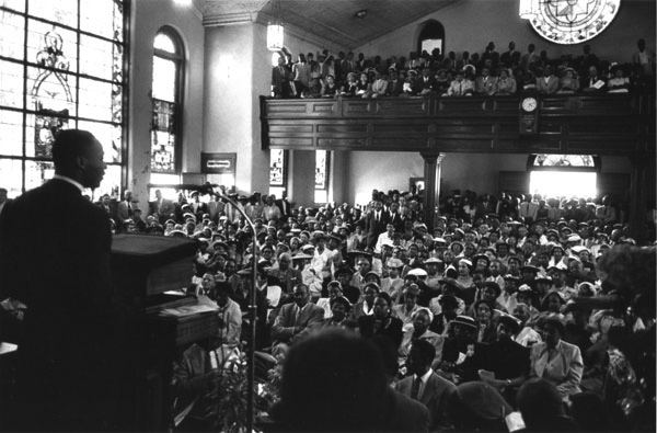MLK preaching in church