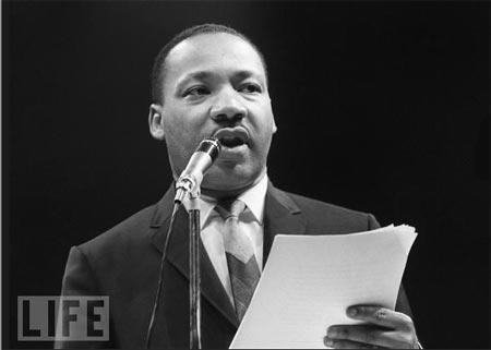 MLK speaking Life magazine