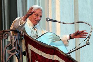 Pope Benedict XVI Castel Gandolfo good night