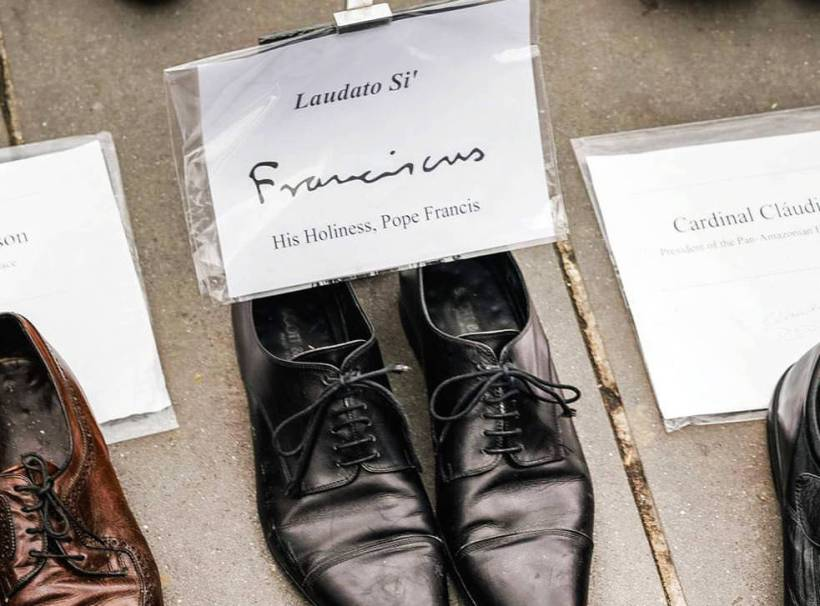 Holy Father's shoes participated in the canceled march in Paris