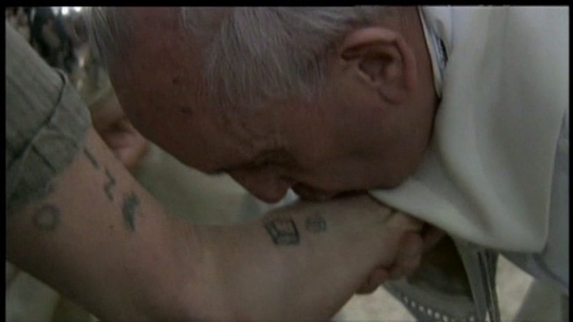 Pope Francis foot kiss
