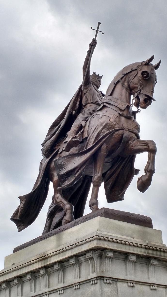 closeup of King Louis statue