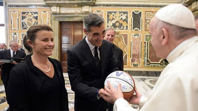 Pope Francis Jay Wright Villanova ball