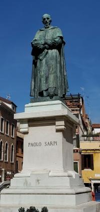 Paolo Sarpi statue close