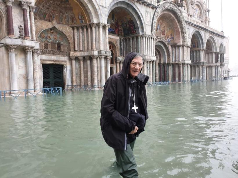 Venice Patriarch aqua alta hip waders